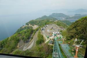 山頂からの景色です。リフトで登りました