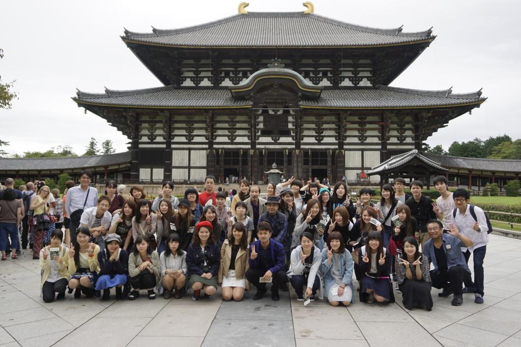 東大寺にて記念撮影(奈良)