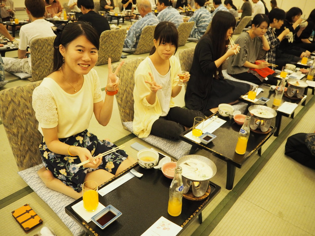 リッチな食事に大満足(夕食)