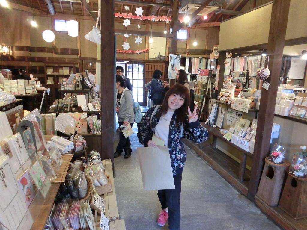 美濃和紙のお店で買い物。いいものがありましたか?